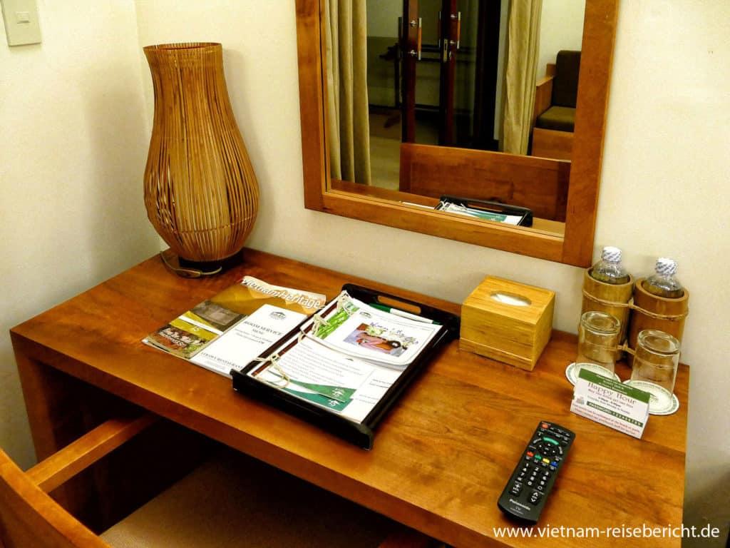 Schreibtisch Bamboo Village Room Vietnam